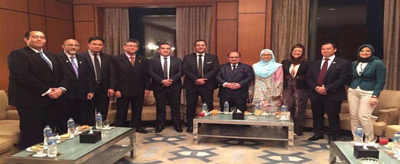 مراسم مشاركتنا فى المنتدى الاقتصادى الماليزى مع نائب وزير الصناعات الاولية الماليزى